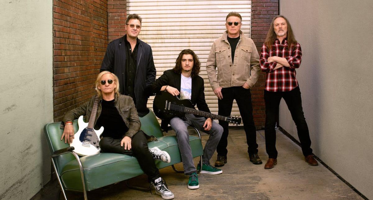 Eagles Tour Dates 2020.Eagles Expand Hotel California Tour 2020