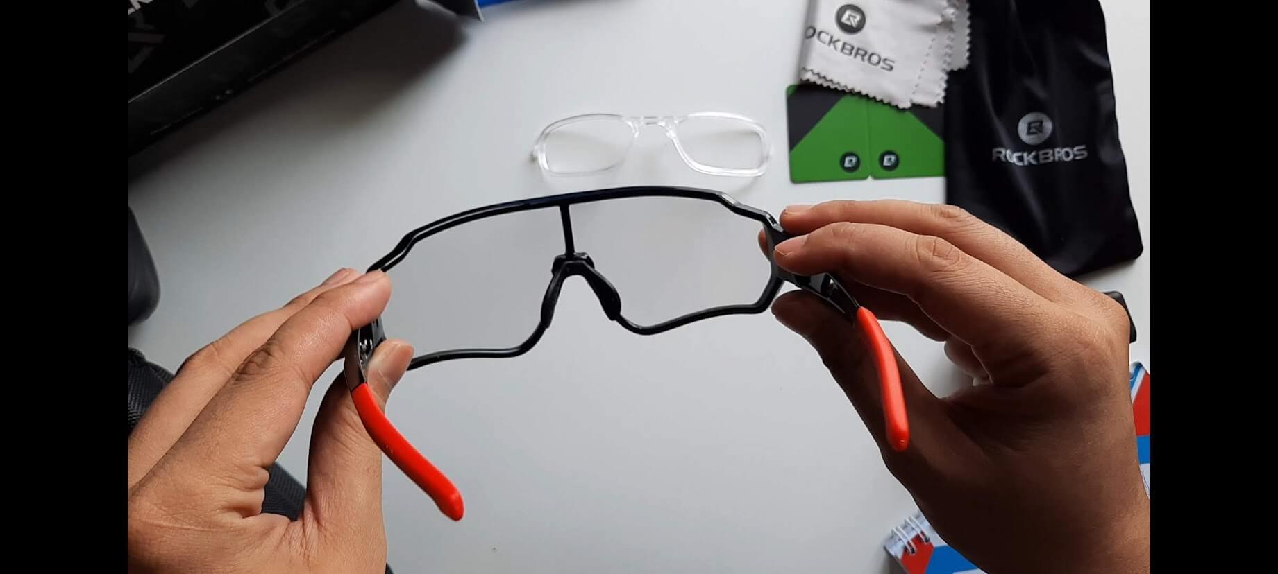 Kacamata Photochromic Solusi 1 Lensa Untuk Kondisi Gelap dan Terang