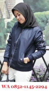 Jaket Kulit Wanita Hijab