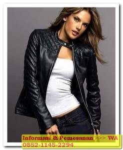 jaket kulit wanita remaja