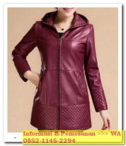 jaket kulit wanita merah