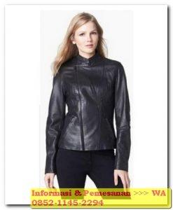 jaket kulit wanita warna hitam