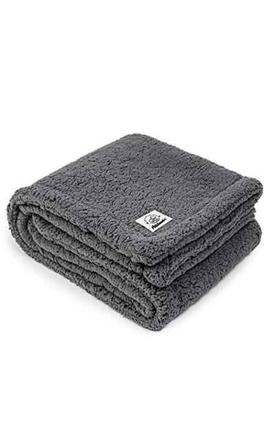 Allisandro Super Soft and Fluffy Premium Flannel Fleece Dog Throw Blanket