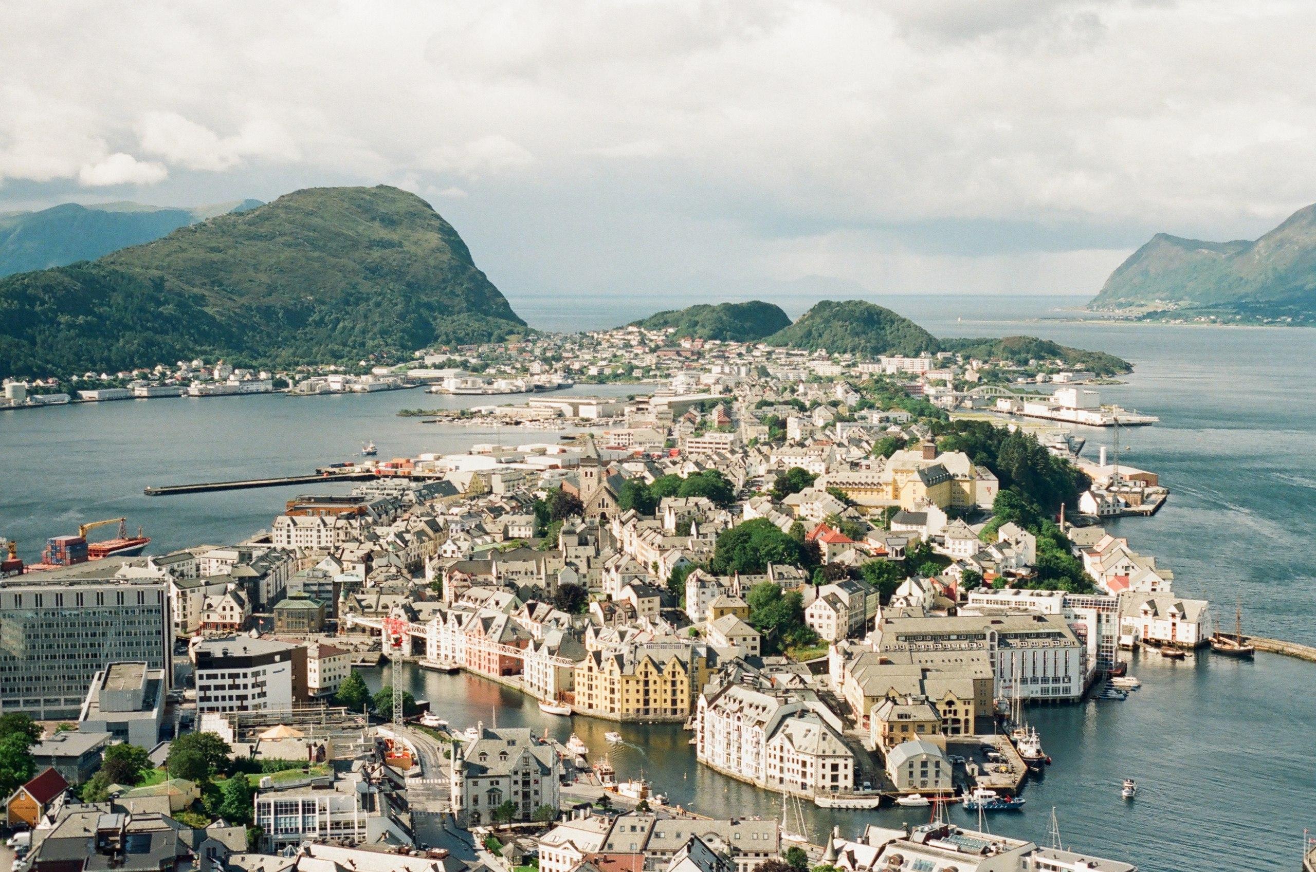 Сколько стоит обыкновенная виза в Норвегию в 2019 году