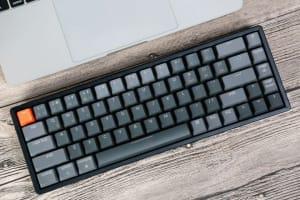 光学式キースイッチ搭載の最新キーボードKeyChron K6を輸入してみた