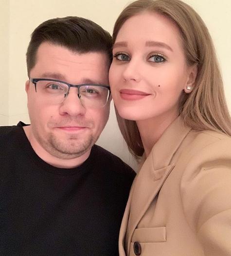 Кристина Асмус и Гарик Харламов отписались друг от друга в Instagram
