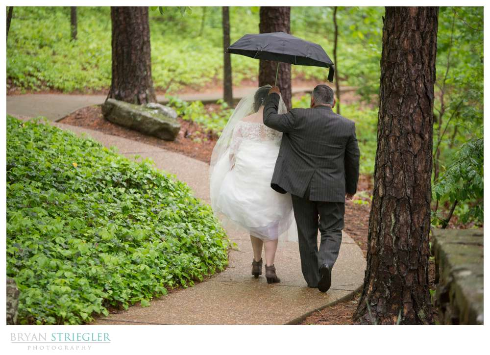 dad walking bride to Mildred b cooper memorial chapel