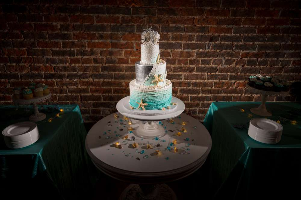 wedding cake with seashells