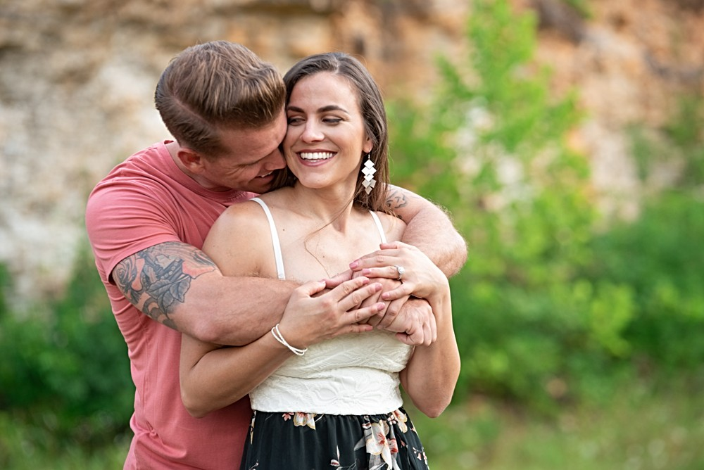 engagement session with cliffs