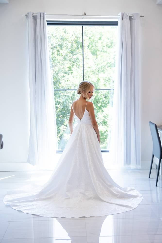 bride in changing room at Osage House
