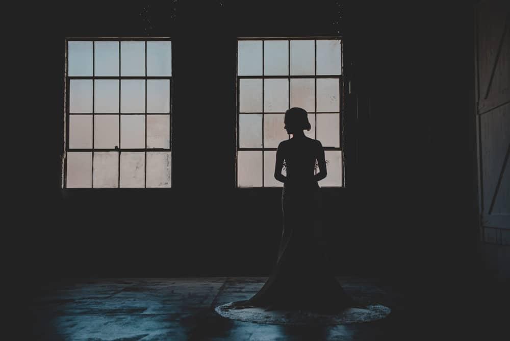 bridal-portrait-at-Brick-Ballroom