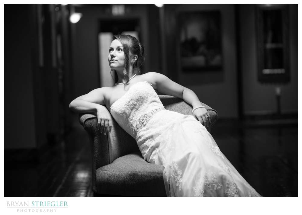 dramatic Rogers bridal portraits black and white