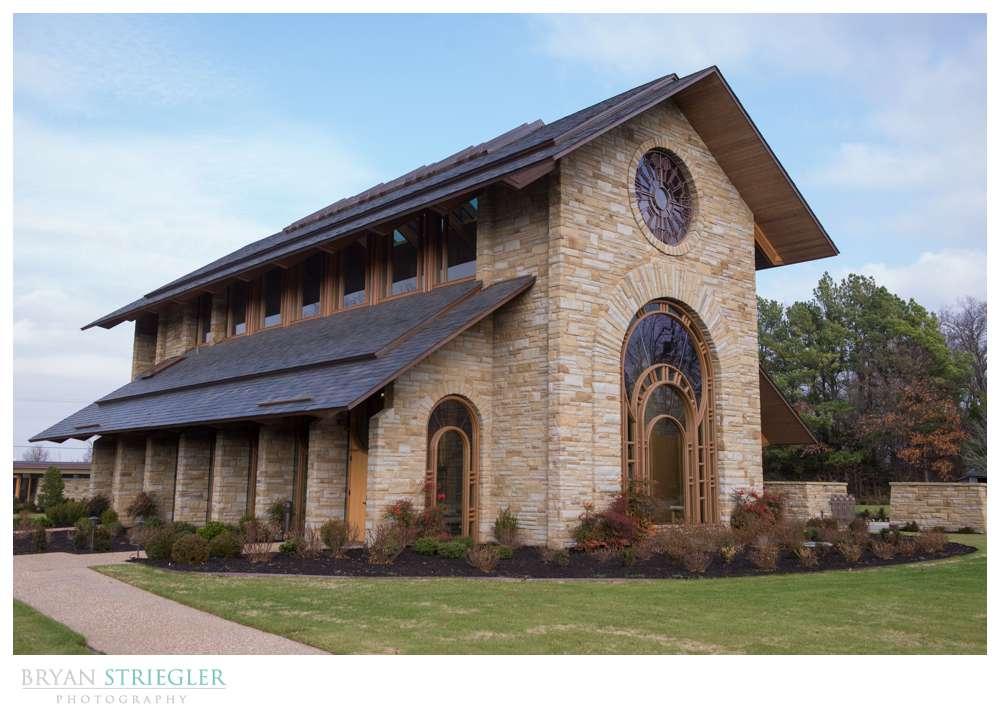 Arkansas Winter Wedding Hunt Chapel