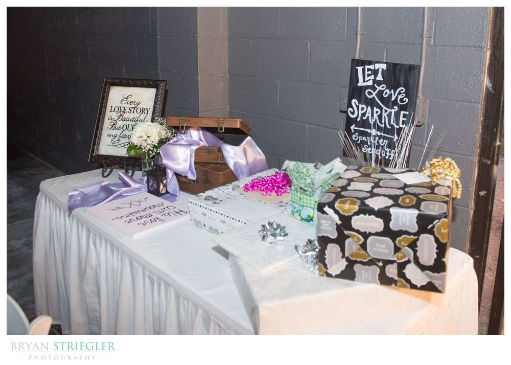 Fayetteville wedding photographer gift table
