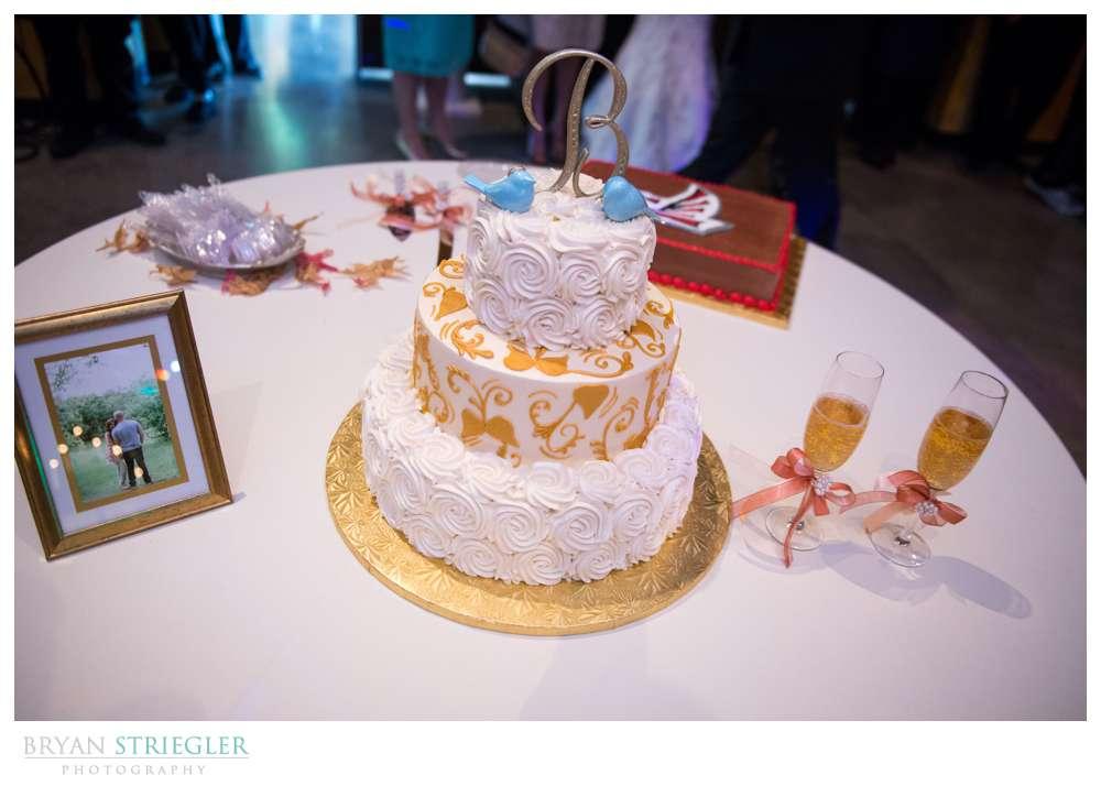 Springdale Arkansas Wedding  cake with blue birds