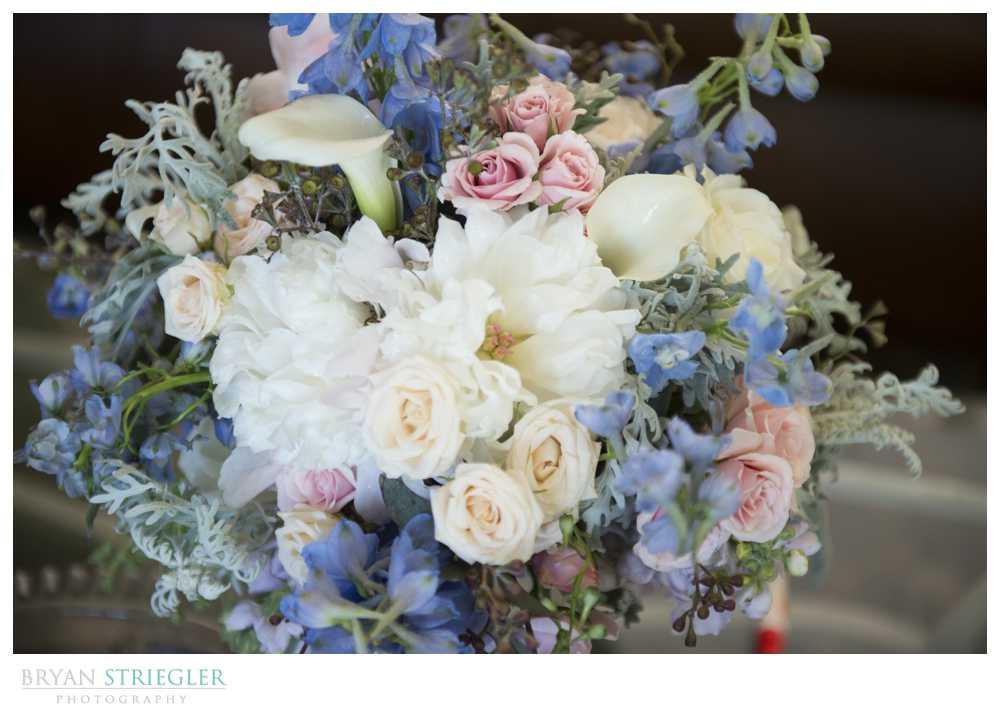 wedding details light blue bouquet