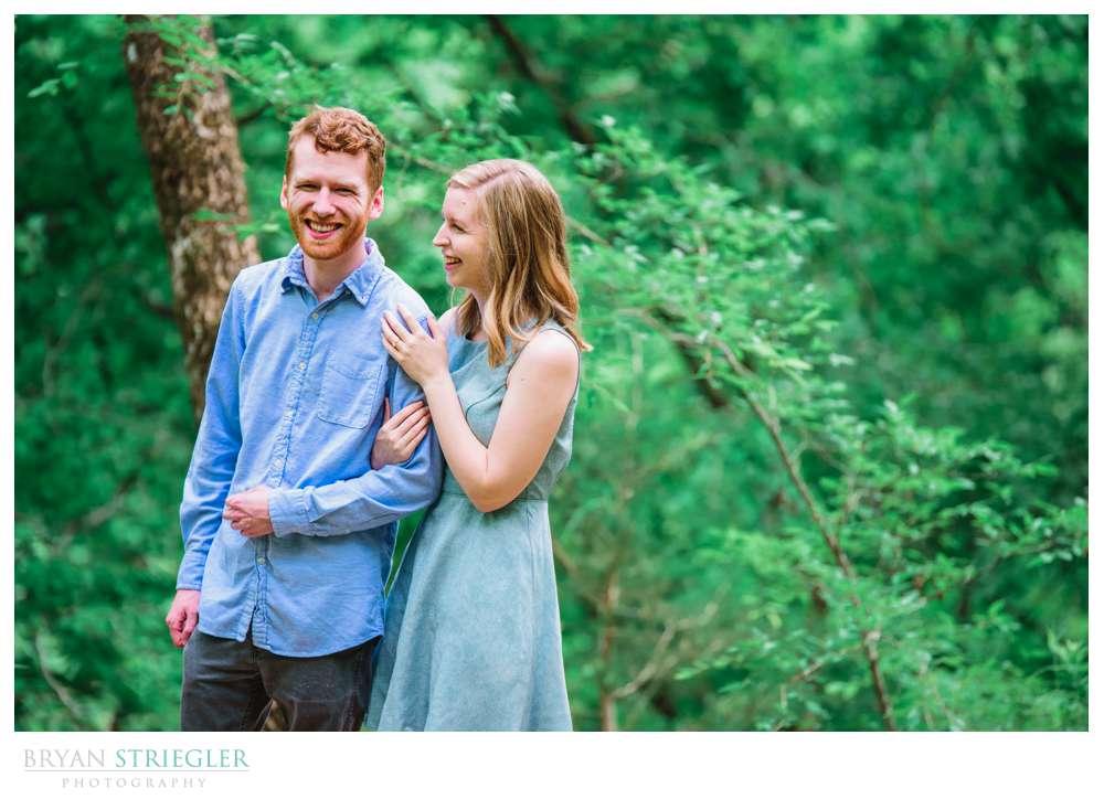 Engagement Photos at Devil's Den