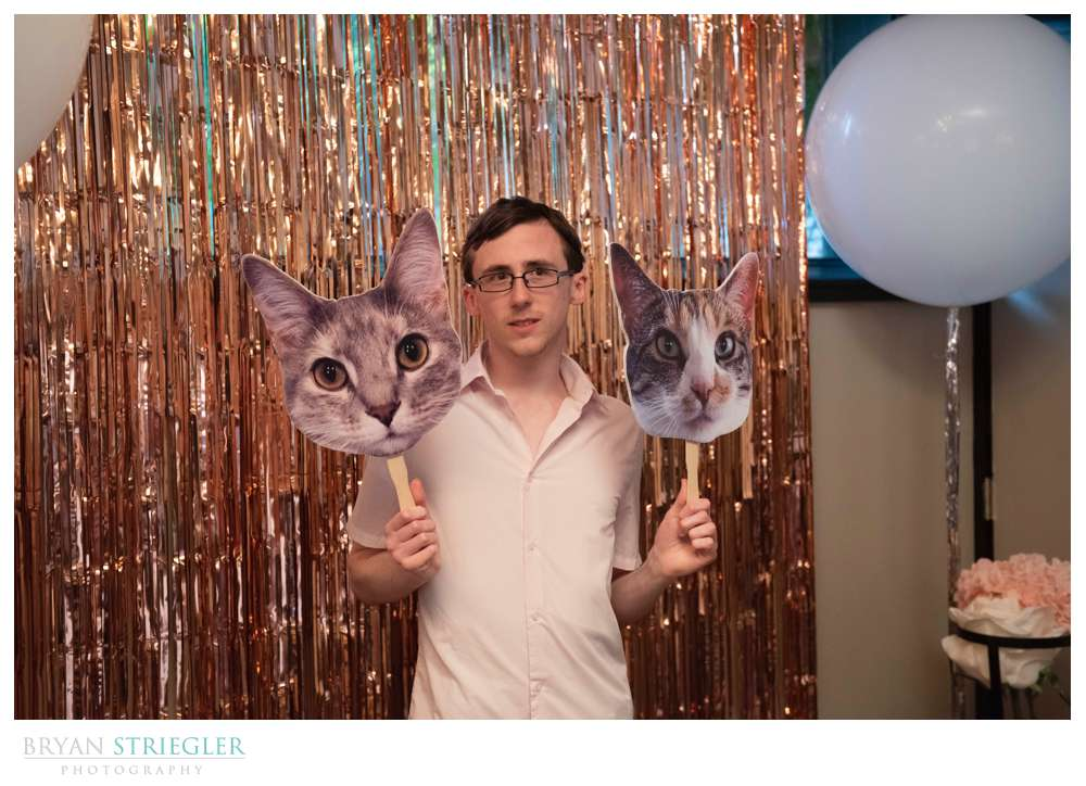 photo booth with cats