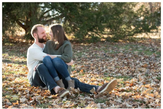 Fall engagement photos in leaves