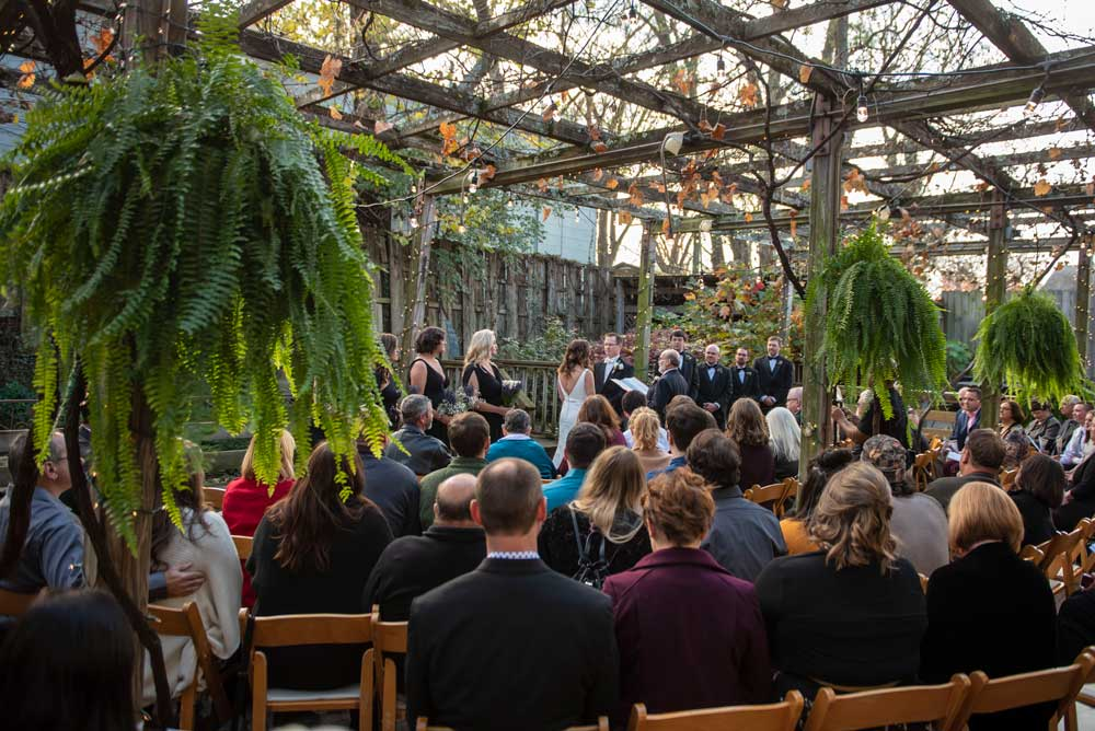 outdoor-ceremony-at-the-Garden-Room