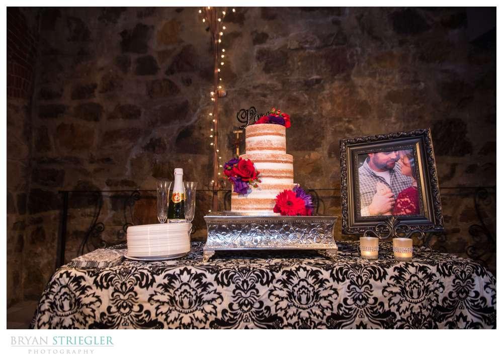 Fayetteville Wedding Photographer wedding cake