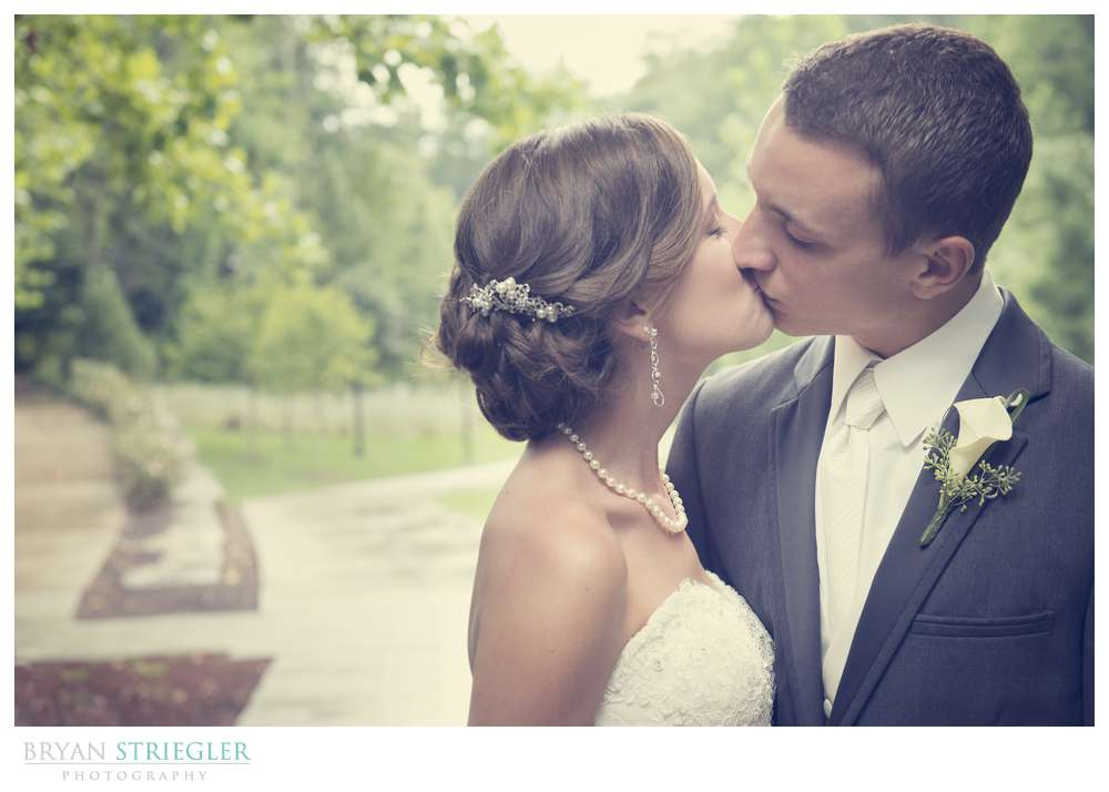 Northwest Arkansas Wedding Photographers kissing