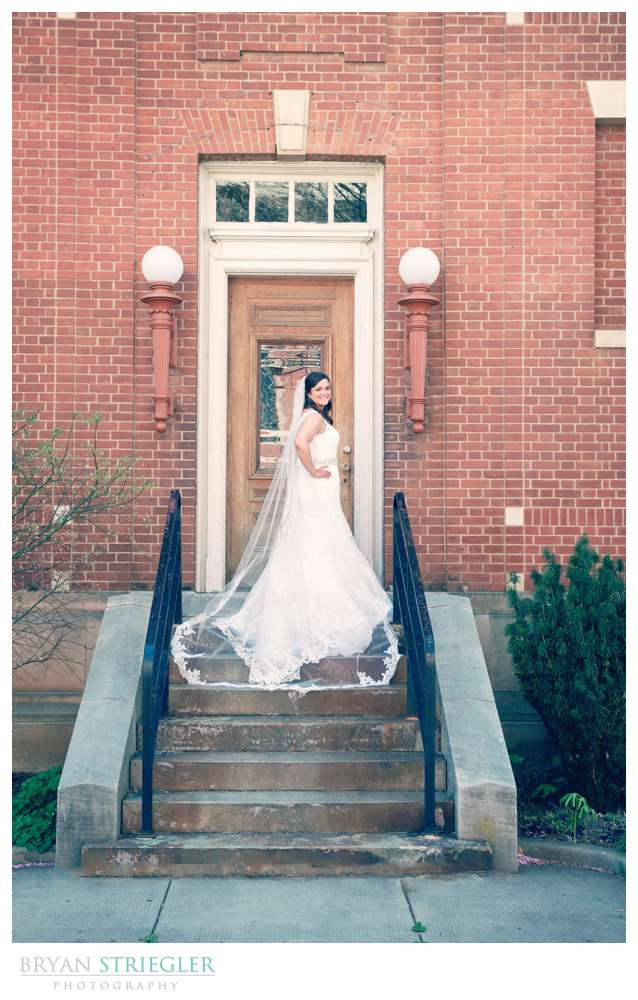 Fayetteville, Arkansas wedding bride on stairs
