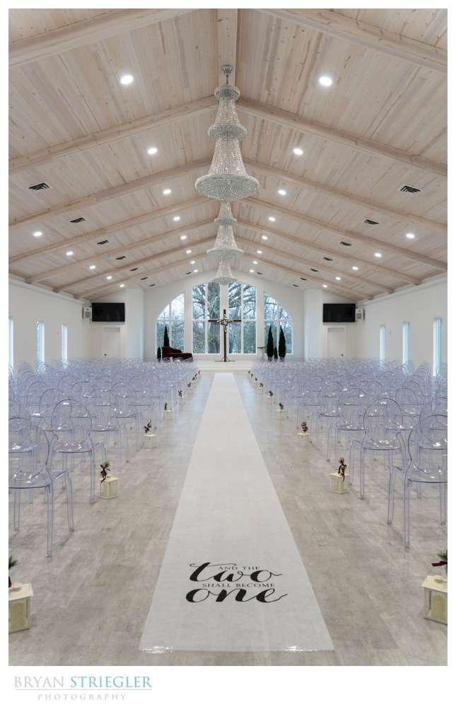 wide shot of Legacy Acres wedding venu