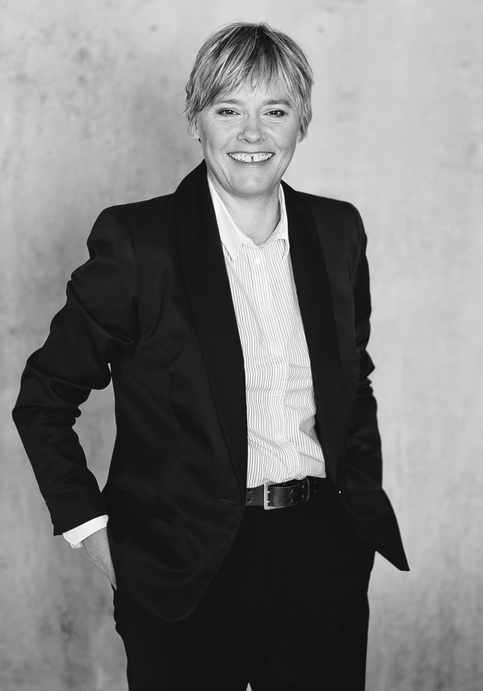 Angela Saunders