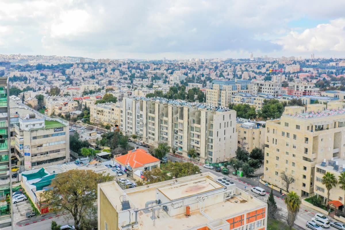 – Tama 38 project  - Rivka 22, Jerusalem - Construction work