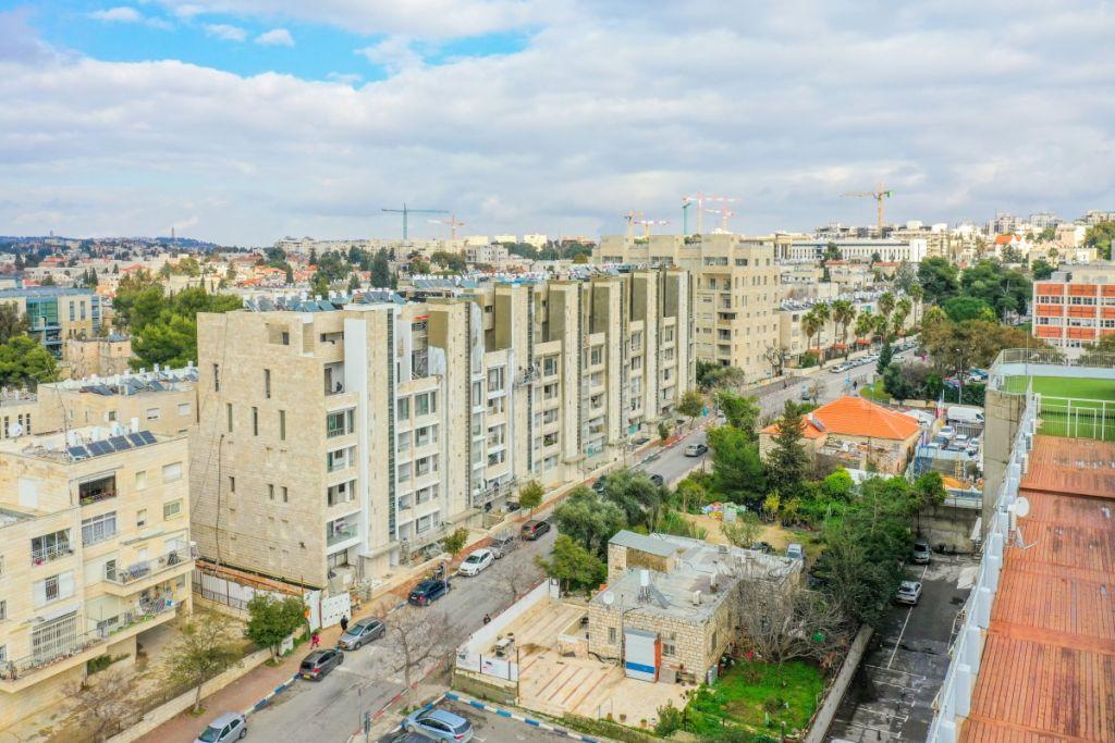 Rivka 22, Jerusalem – Tama 38  - Construction work