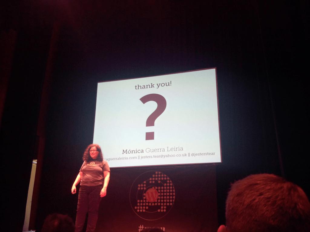 L'oratrice dans sa dernière slide