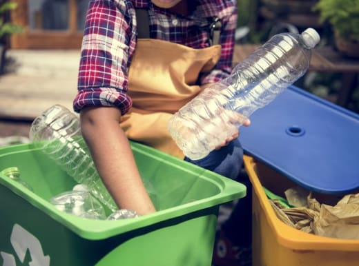 Collects recyclable waste from all interested companies and individuals for free