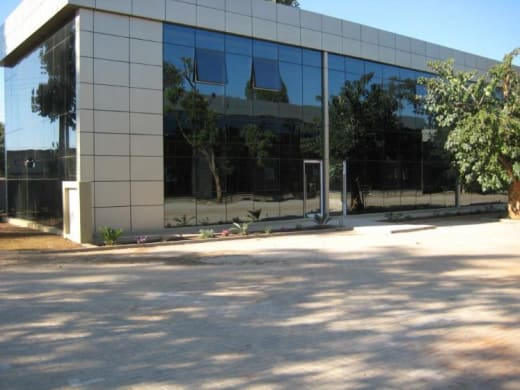 200m² Office to let in Airport Roundabout
