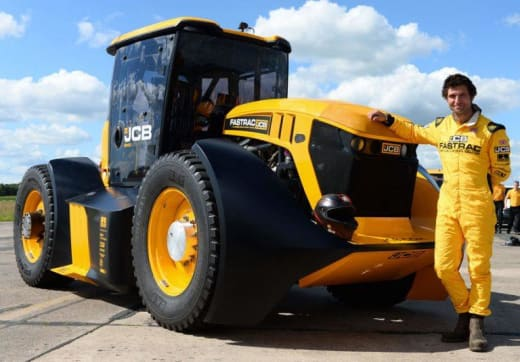 The JCB Fastrac has set a new speed world record for a tractor of 165kph