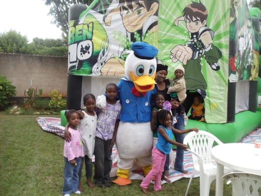 Efficient hiring services for children's parties