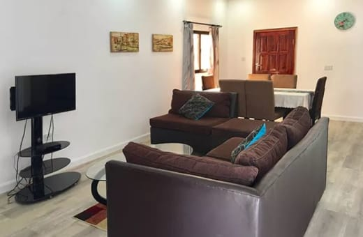 Apartments conveniently set in a quiet residential area near two malls