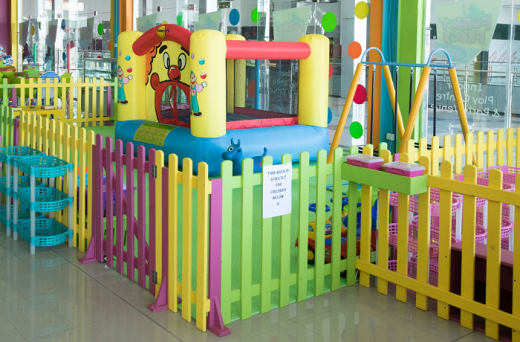 A toddler area for children from 1 to 2 only