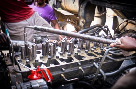 Truck and Bus maintenance services
