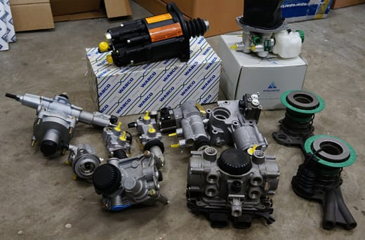 Supply European and American heavy duty vehicle parts