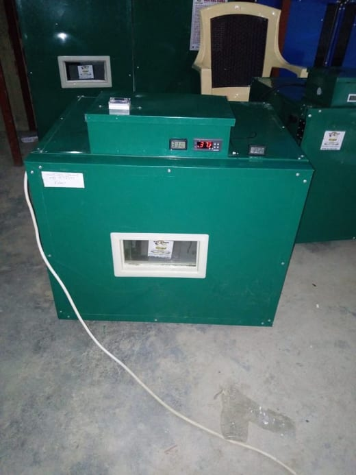 Chicken egg and quail Egg capacity automatic turning incubators available in stock