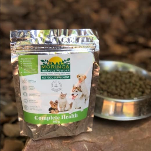 Moringa pet food supplement