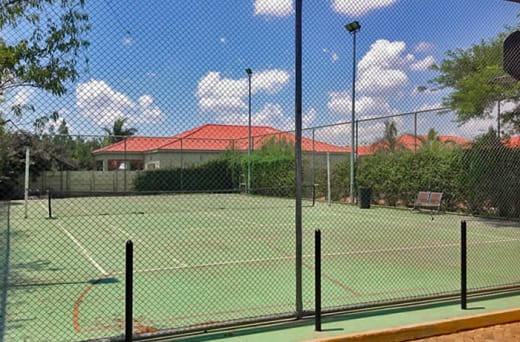 Apartments with a modern tennis court