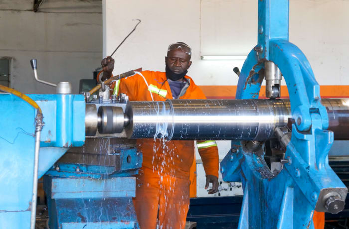Heavy duty machinery servicing image
