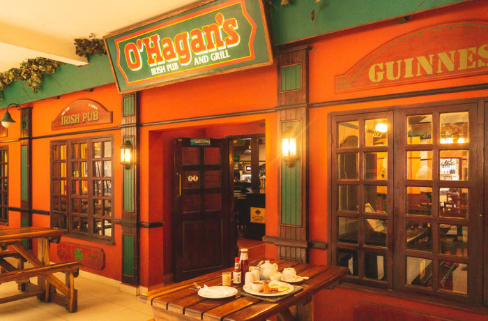 Casual dining restaurants image