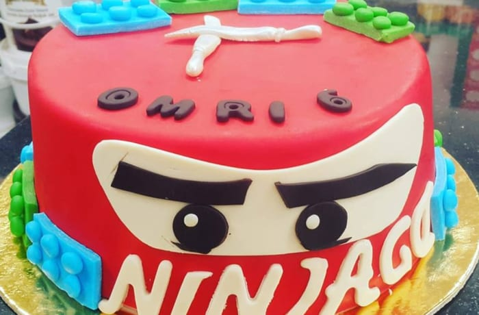 Special discounts on delicious custom - made cakes