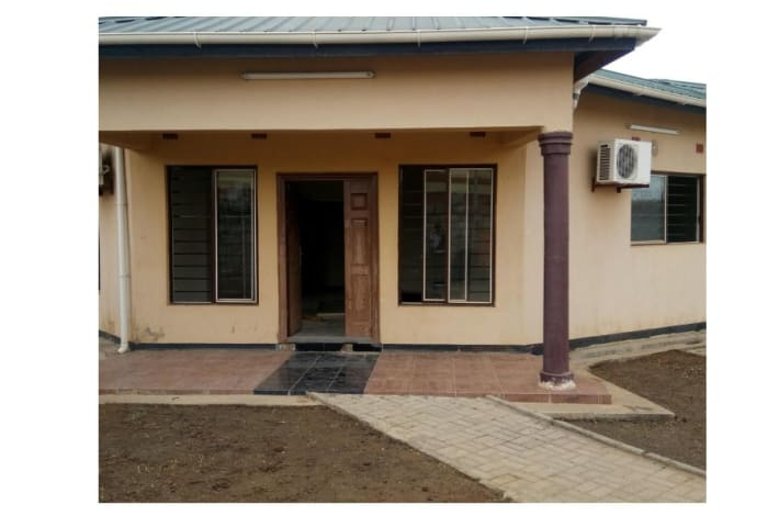 3 Bedroom flat to let in Mass Media