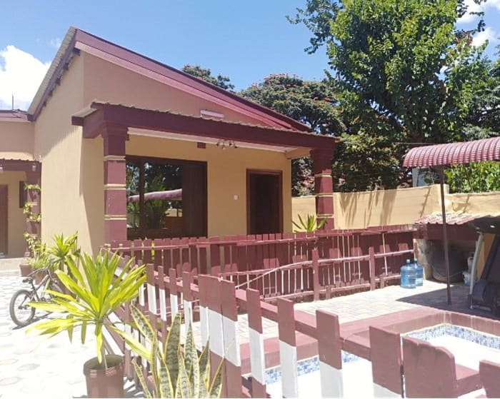 3 Bedroom house for sale in Longacres