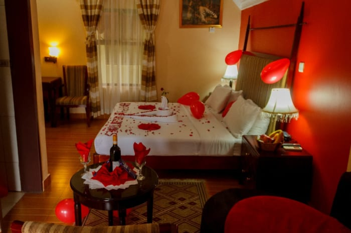 Pay for three nights and get 20% discount plus dinner for two on Valentine's night