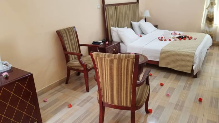 10% off all rooms